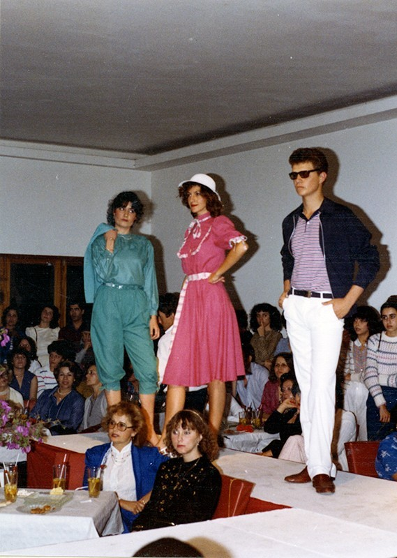 Desfile de moda en Sociedad La Democracia VIII