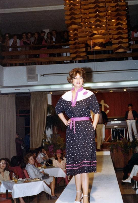 Desfile de moda en Sociedad La Democracia XXII