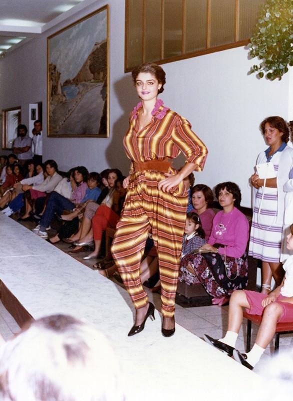 Desfile de moda otoño-invierno XVIII