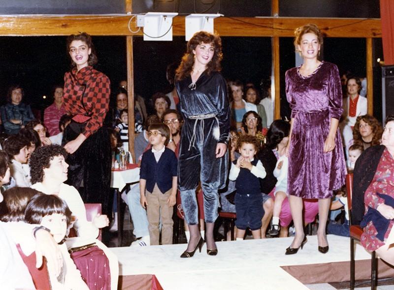 Desfile de moda otoño-invierno XXIII
