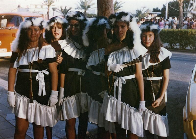 Jóvenes en carnaval