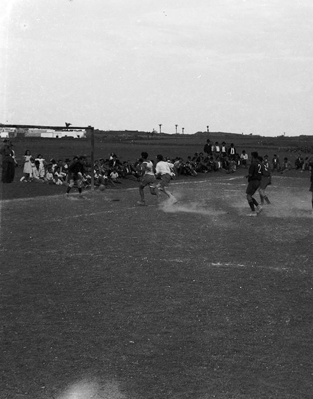Partido de fútbol en Máguez II