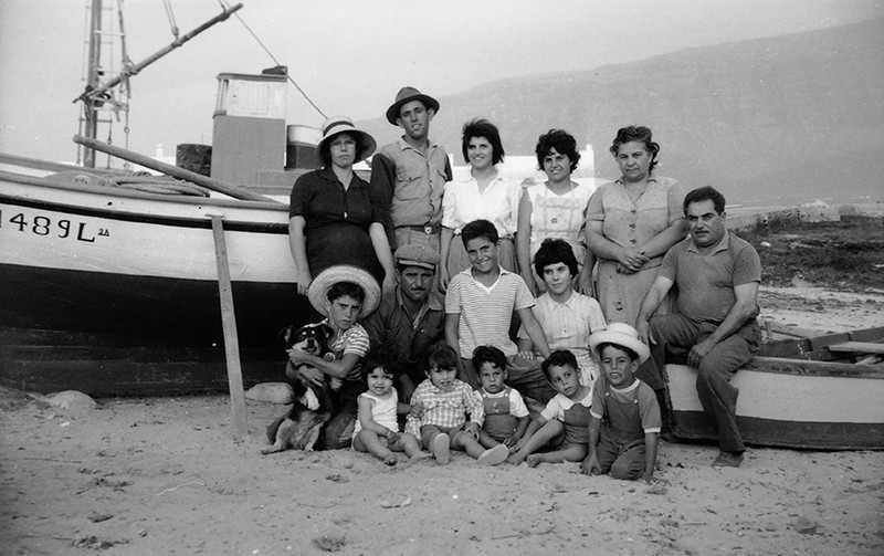 Grupo de familias en Caleta de Sebo I
