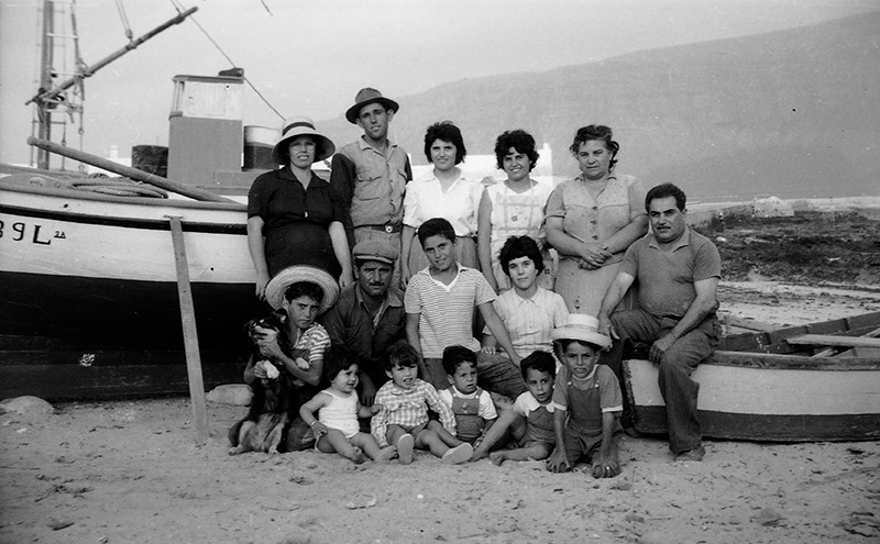 Grupo de familias en Caleta de Sebo II