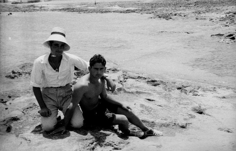 Amigos en la playa de Caleta de Sebo