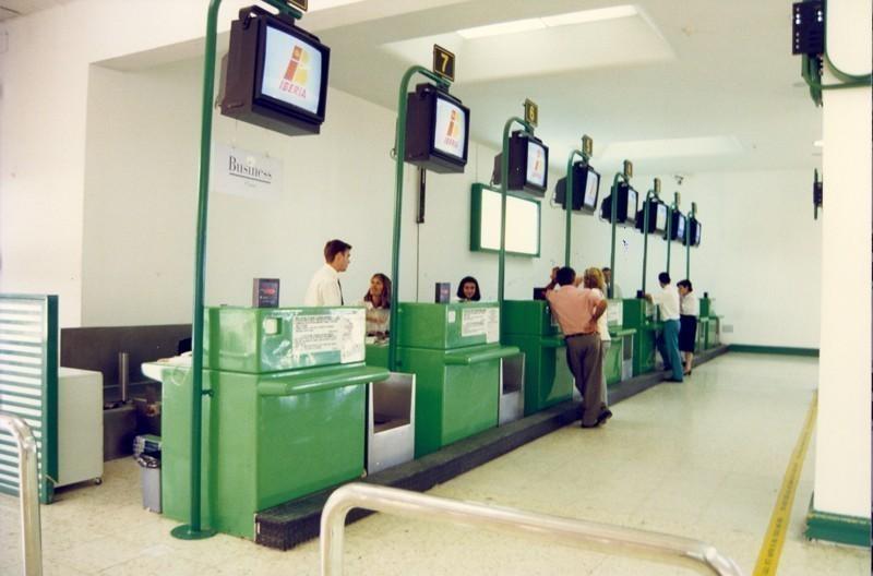 Antigua terminal del aeropuerto II