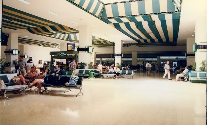 Antigua terminal del aeropuerto VIII