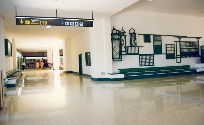 Antigua terminal del aeropuerto IX