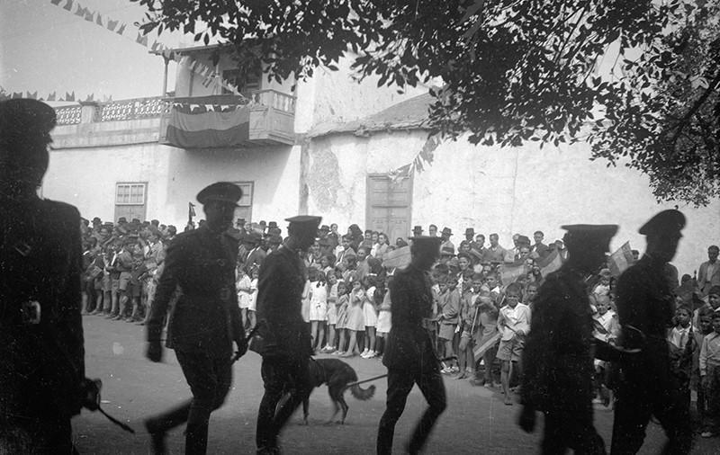 Desfile militar en Haría V