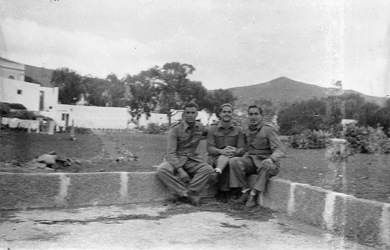 Militares en Haría III