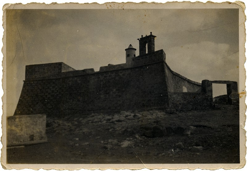 Castillo de San Gabriel con parapetos y garita I