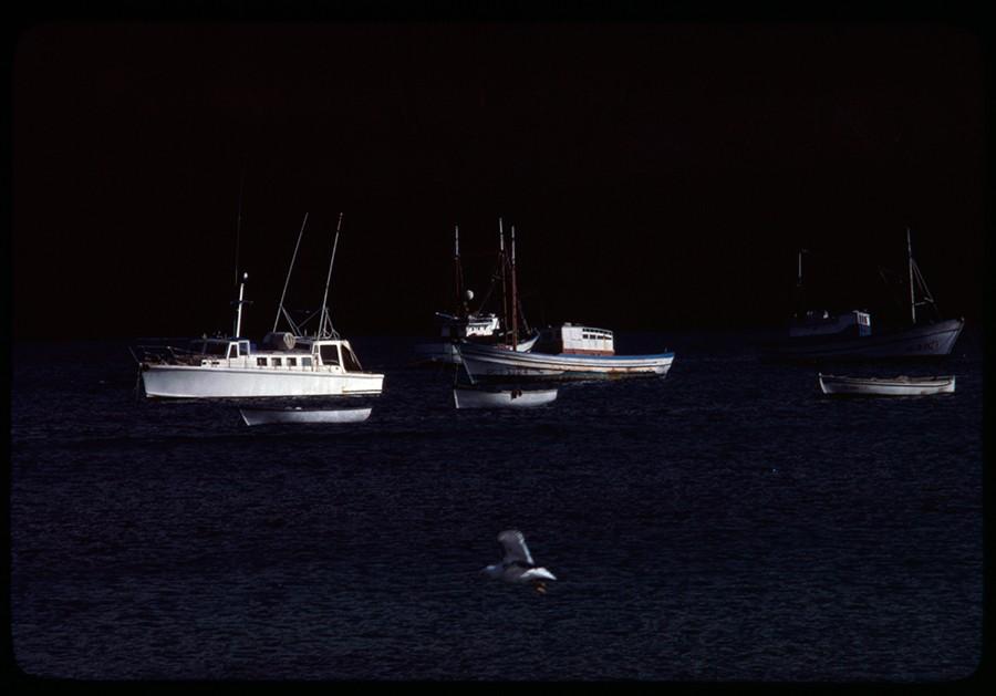 Barcos fondeados en Caleta del Sebo III