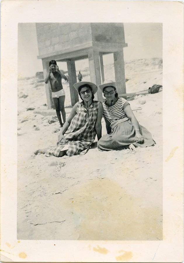 Amigas en la playa de Port Étienne