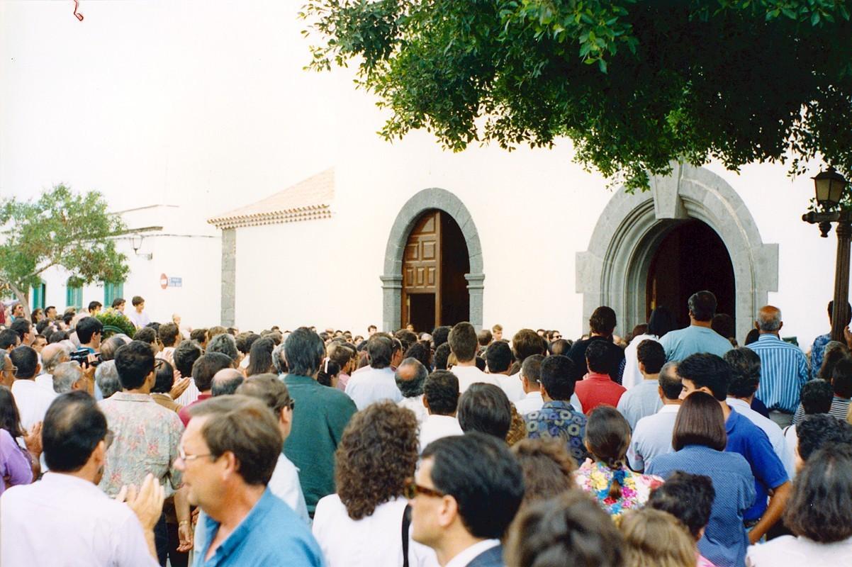 Cortejo fúnebre de César Manrique XIII