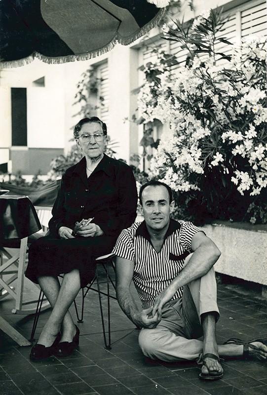 César Manrique y su madre I