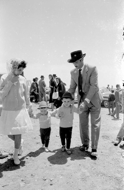 Padre e hijas en Las Nieves II