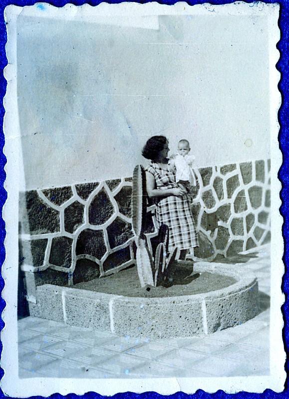 Madre junto al Parador