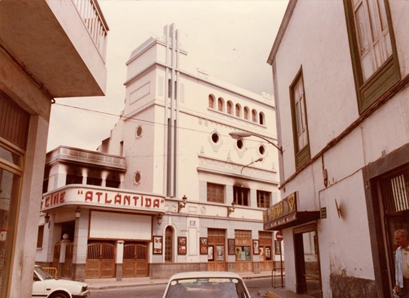 Incendio cine Atlántida