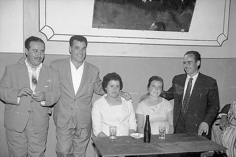 Amigos en Casino de Máguez