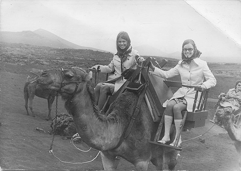 Turistas suecas en las Montañas del Fuego