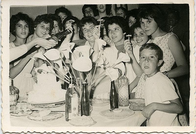 Jóvenes de celebración