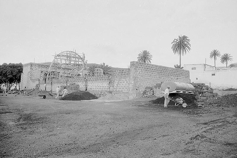 Construcción de la nueva iglesia de Haría
