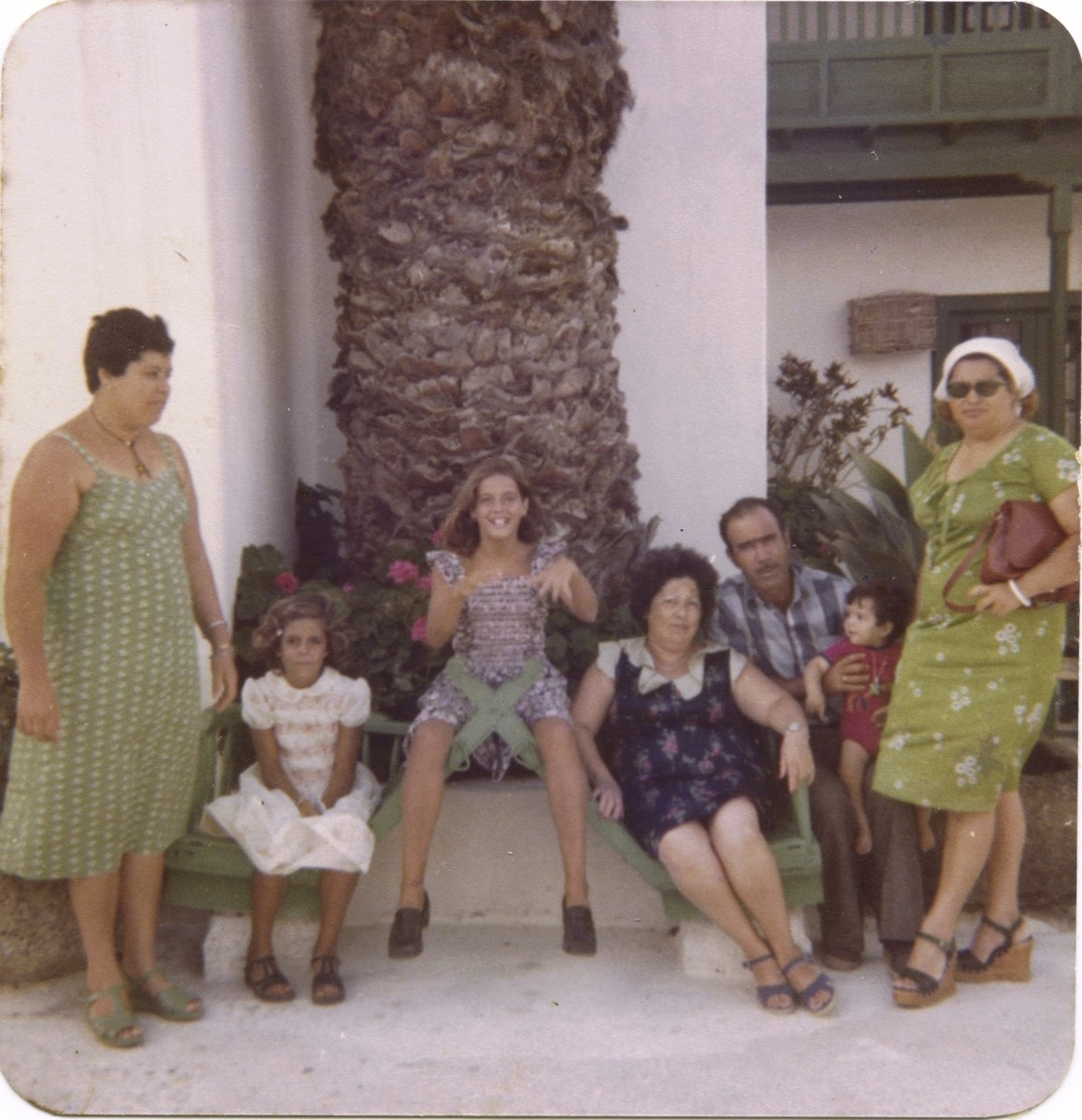 Familia en el Monumento al Campesino