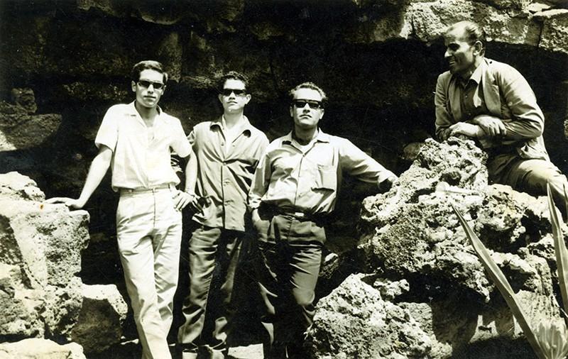 Amigos en la Cueva de los Verdes IV
