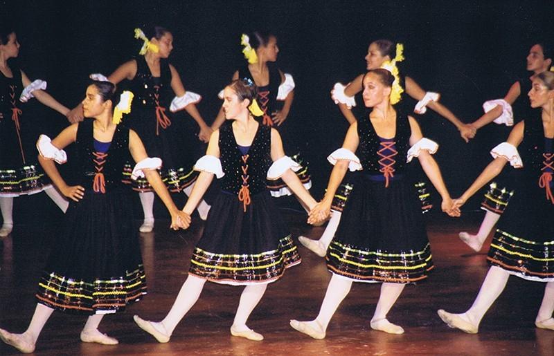 Gala de la Escuela de Danza Fide Parrilla II