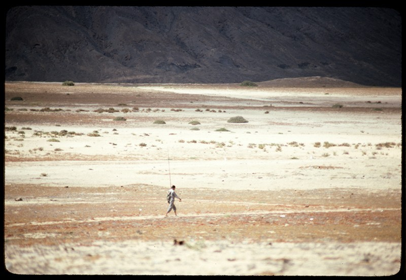 Pescador caminando