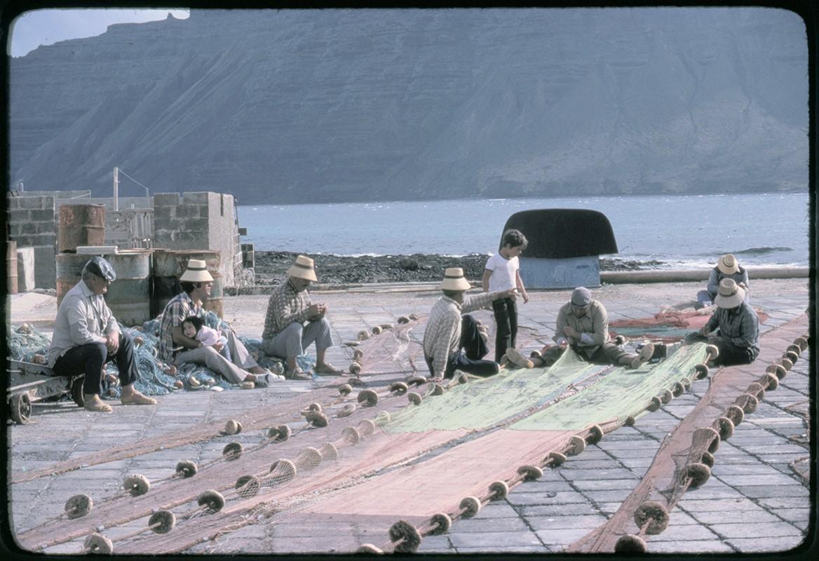 Reparación de redes de pesca I