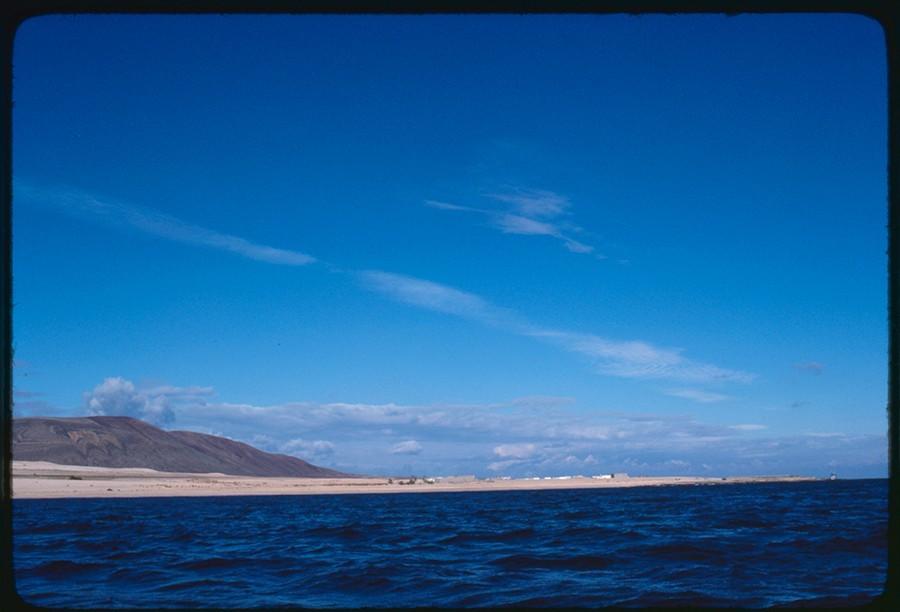 Caleta de Sebo desde el mar III