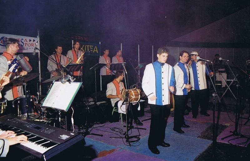 Actuación de Los Jarvac en La Villa