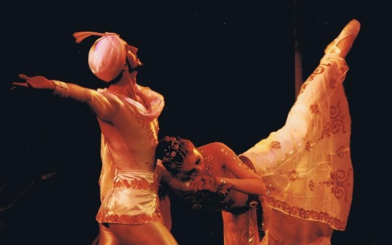 Grupo de Teatro Académico de Ópera y Ballet de Kharkov de Ucrania II