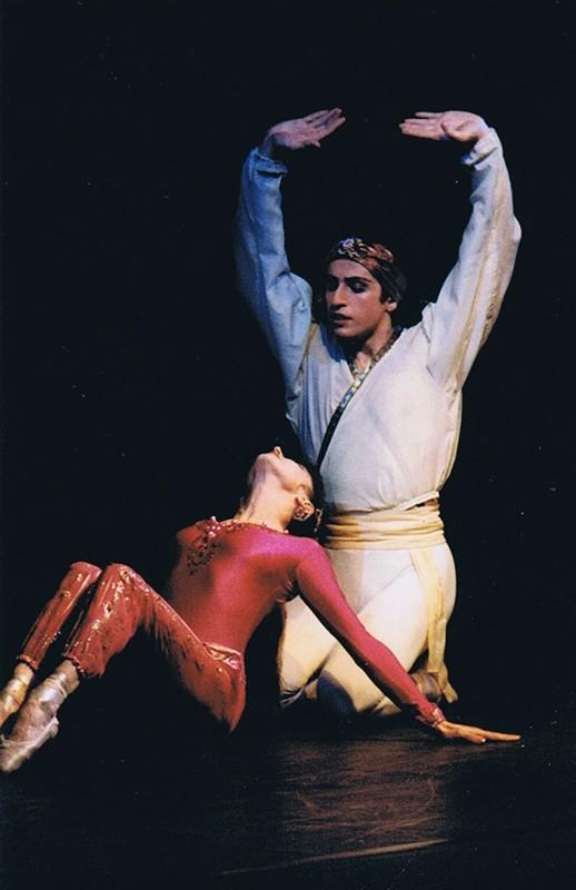 Grupo de Teatro Académico de Ópera y Ballet de Kharkov de Ucrania IV