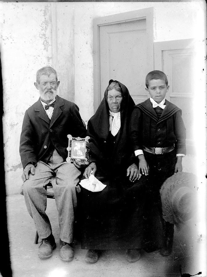 Retrato para familiares emigrados