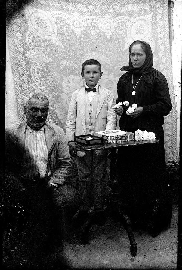 Familia con flores