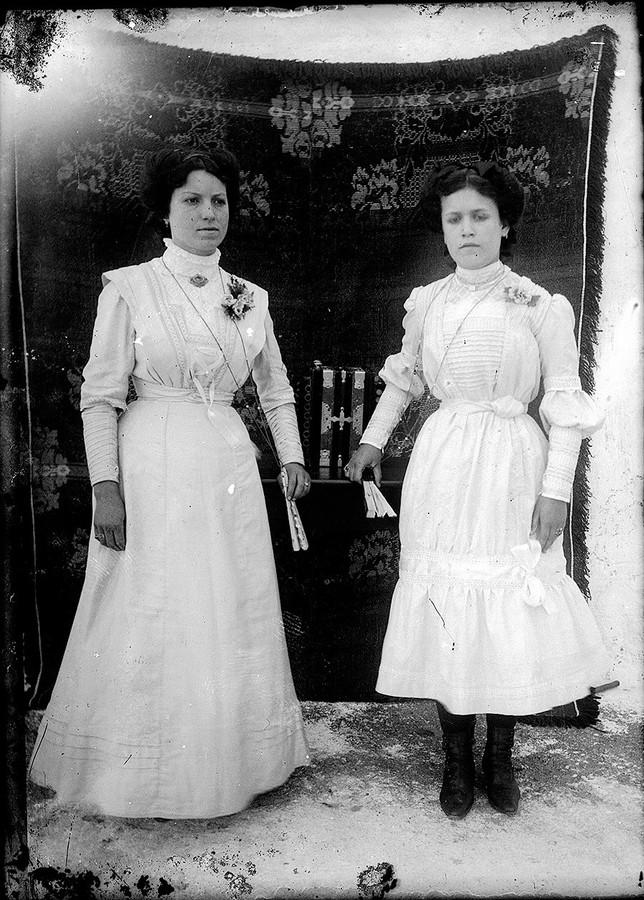 Mujeres con colcha
