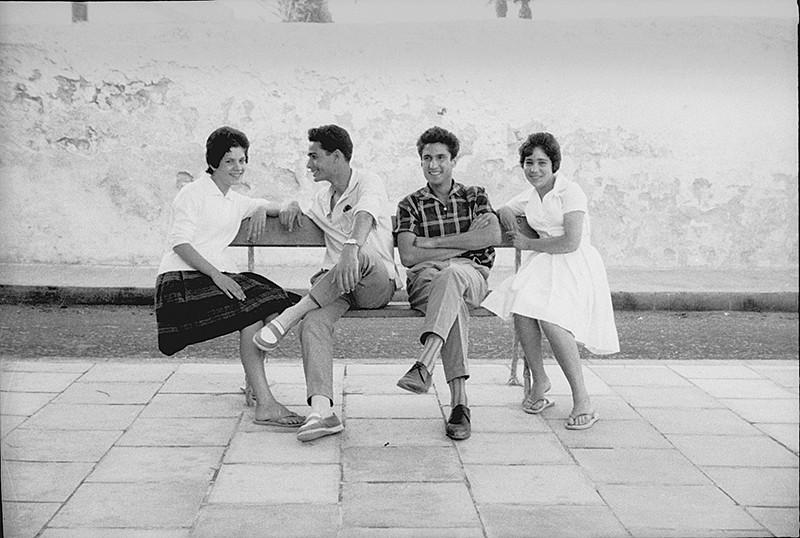 Jóvenes en la plaza