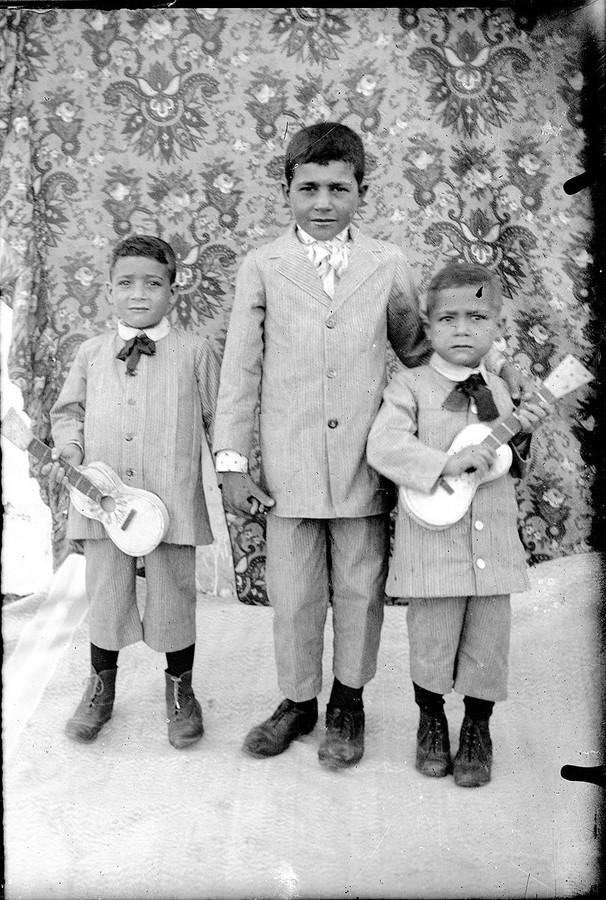 Niños con instrumentos