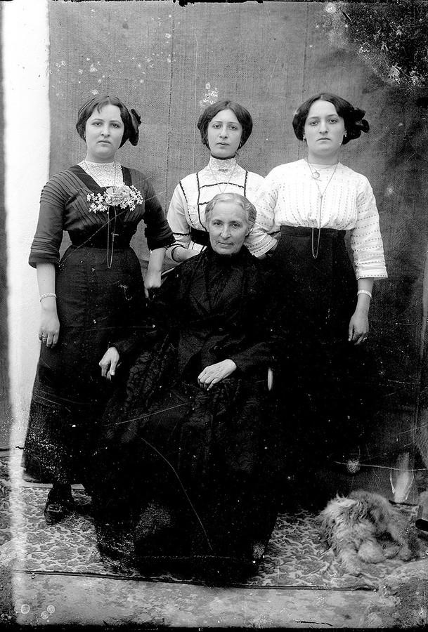 Margarita Martín Betancort e hijas