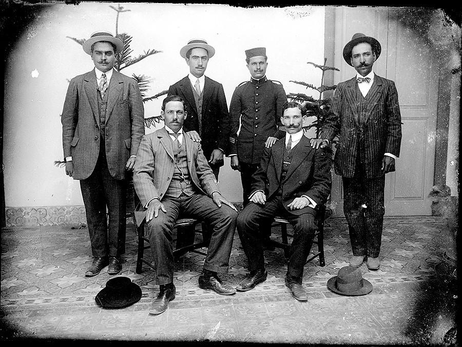 Hombres con sombrero