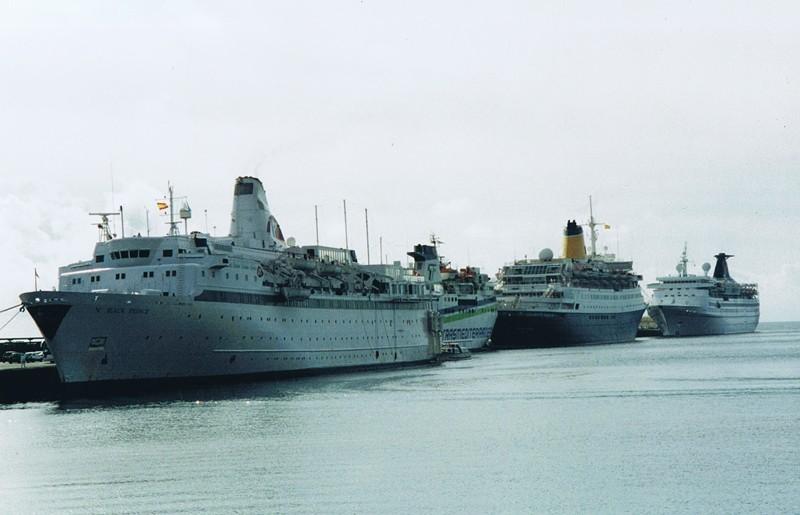 Cruceros turísticos