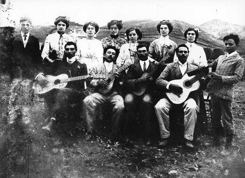 Grupo con guitarras