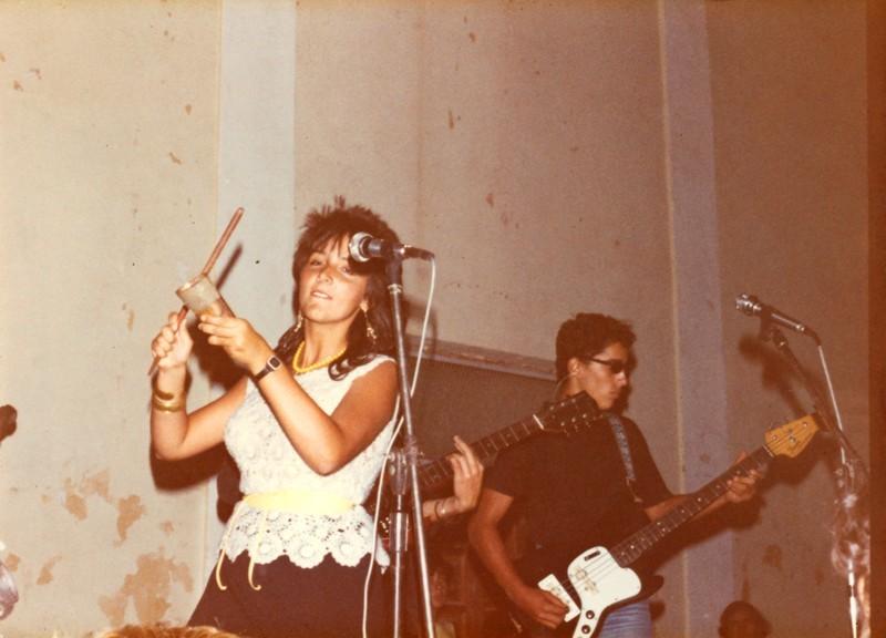 Beni Ferrer actuando con Maraballas Band