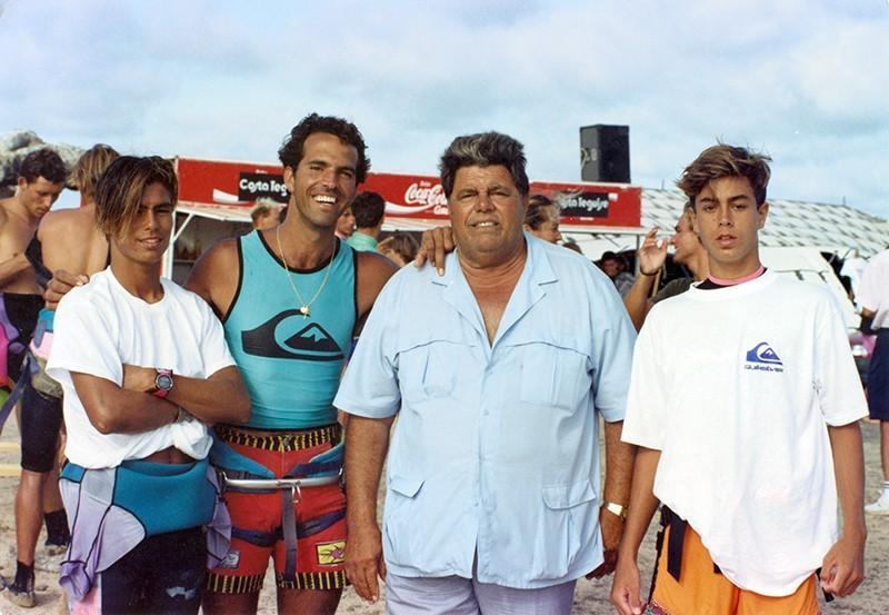 Heraclio y Bernardo Niz con los hijos de Julio Iglesias