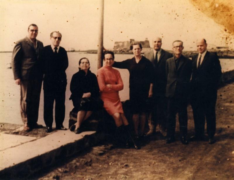 Maestros del colegio La Marina