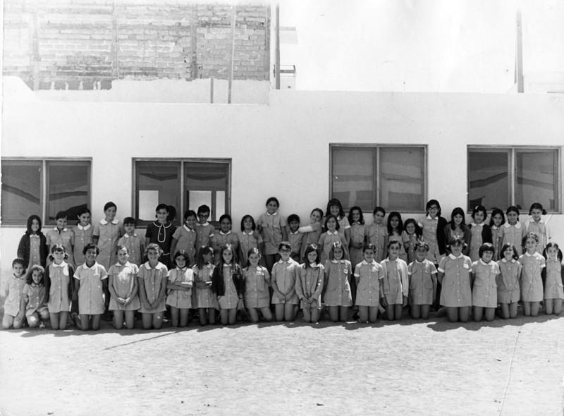 Clase de niñas del Generalísimo Franco
