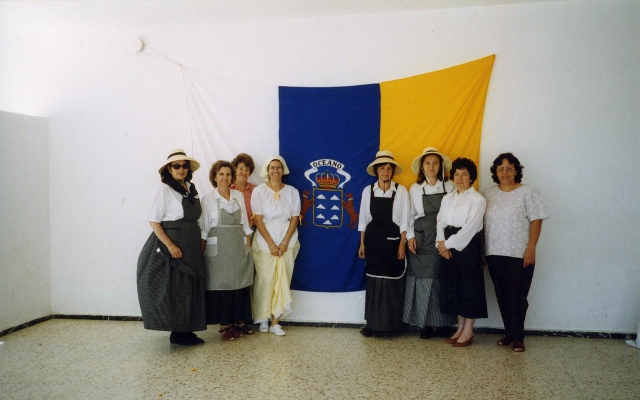 Maestras el Día de Canarias