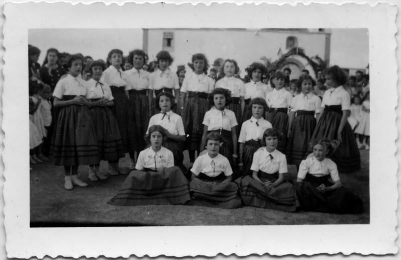 Niñas de las escuelas de Tajaste y Tinguatón